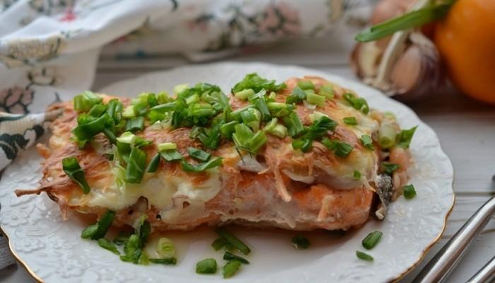 лосось запеченный под сыром