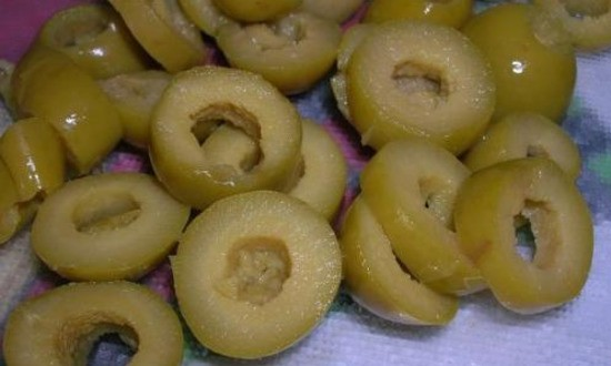 шинкуем оливки