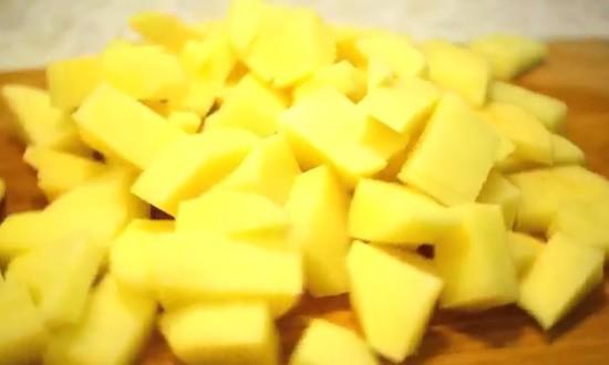 измельчили картофель
