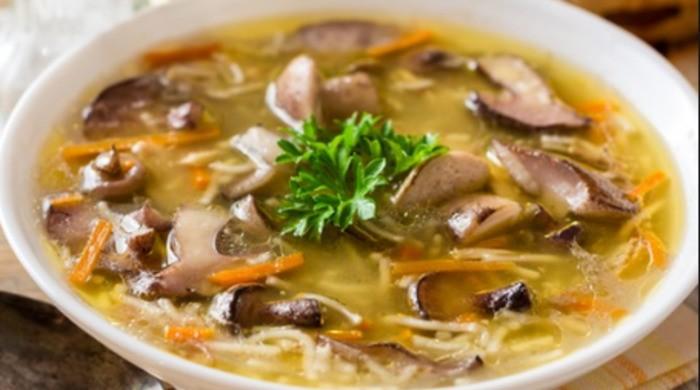Суп из замороженных грибов с вермишелью