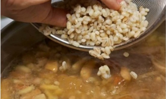 добавляем в суп перловку