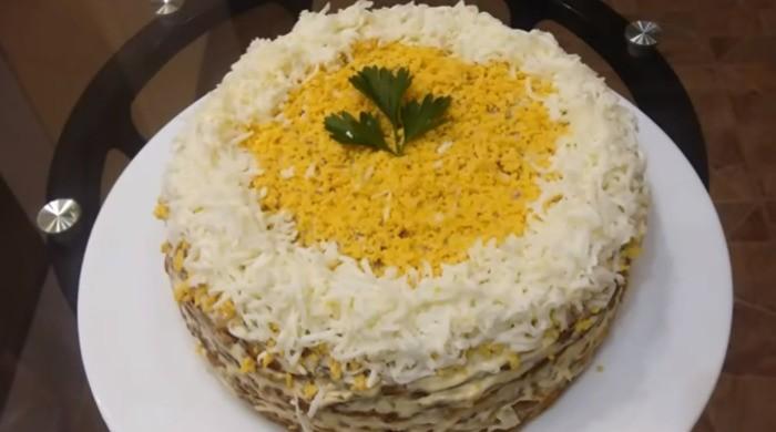 Печеночный торт из говяжьей печени с яйцом