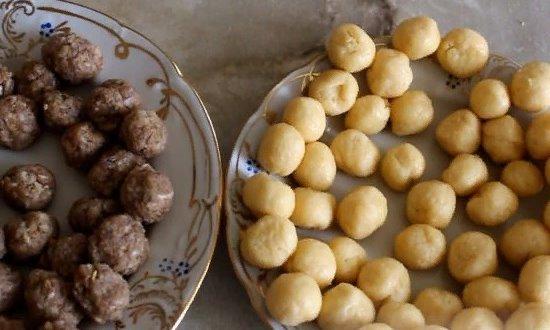 Делаем мясные и сырные шарики