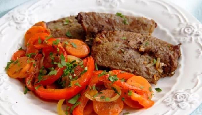 Говядина с овощами, запеченная в духовке