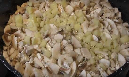 варим грибы с картошкой