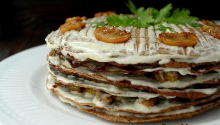 Печеночный торт из куриной печени с грибами на кефире