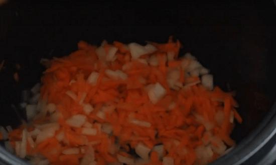 добавить тертую морковь