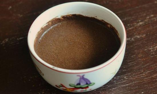 смешиваем какао и молоко