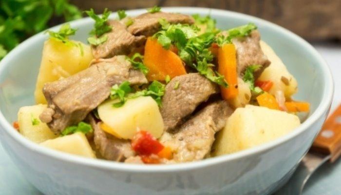 Тушёная картошка с бараниной