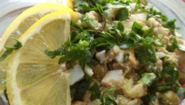 Рецепты салата с консервированной печенью трески, простые и очень вкусные