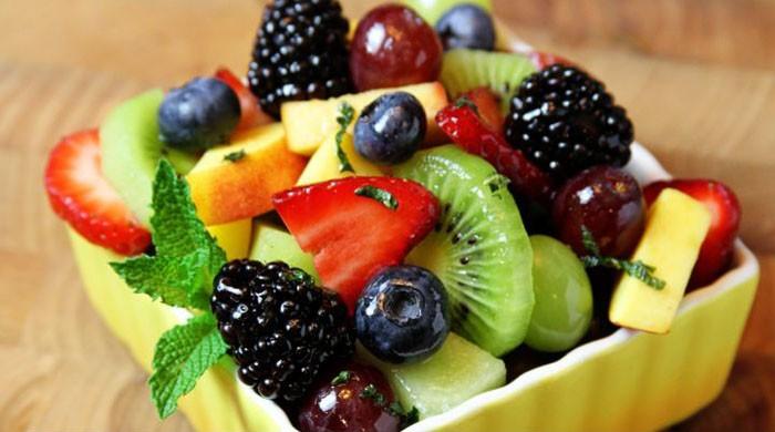 Как приготовить вкусный фруктовый салат в домашних условиях на праздник