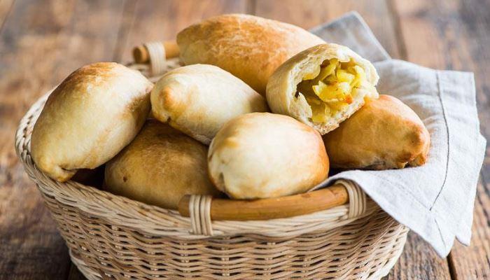 Пирожки с картофелем и лесными грибами на кефире