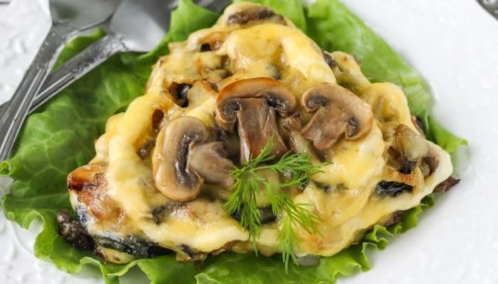 Отбивные из свинины с сыром,орехами, грибами и черносливом