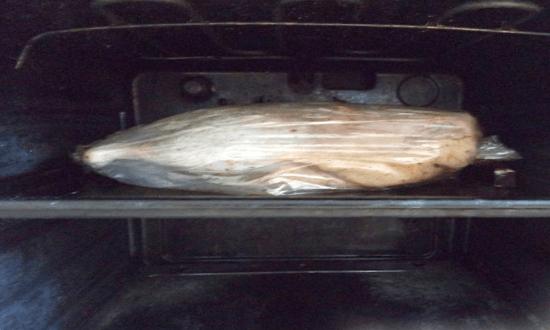 поставить утку в духовку