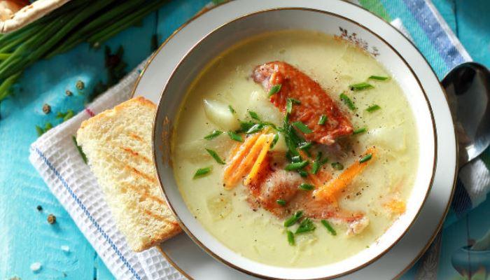 Сырный суп из плавленого сыра с копченой курицей и рисом