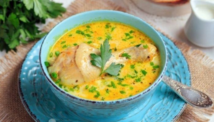 Сырный суп из плавленого сыра с вермишелью