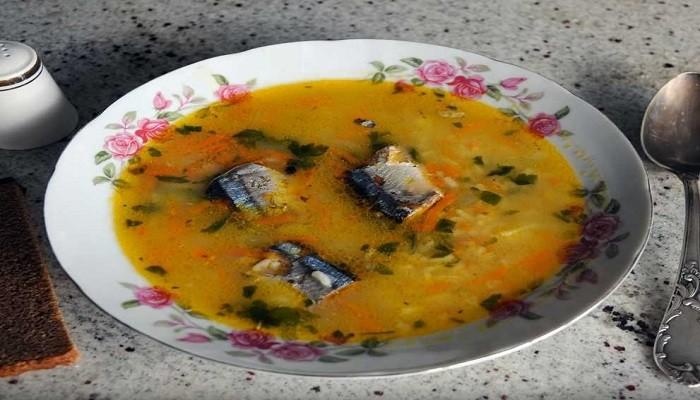 Суп из сайры консервированной с рисом