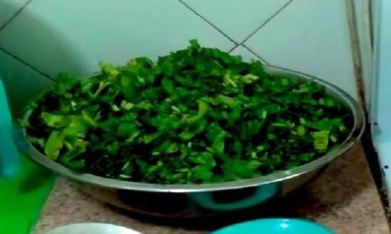 Измельчаем зелень