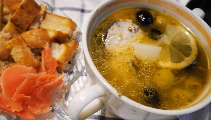 Очень вкусный суп из свежемороженой скумбрии