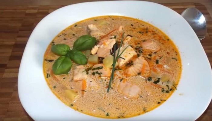 Очень вкусный сливочный суп с красной рыбой
