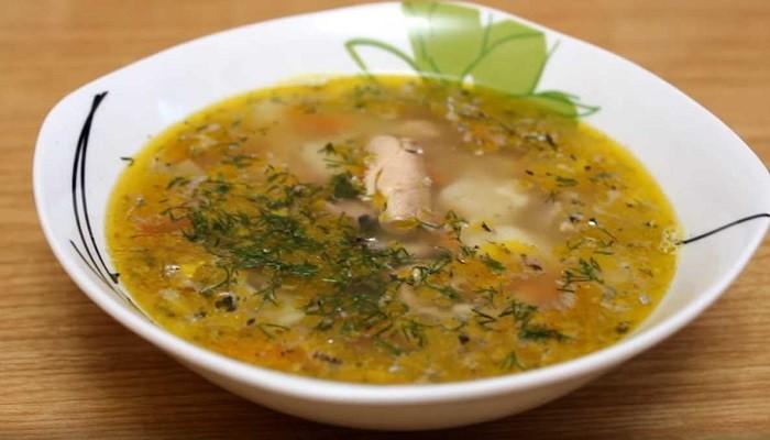 Рыбный суп из консервированной сайры с вермишелью