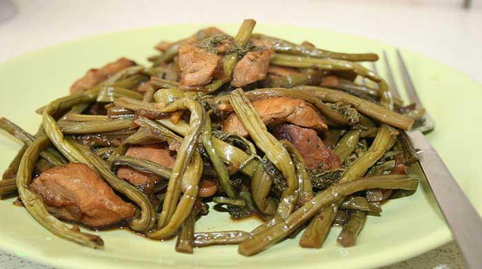 Как приготовить салат из папоротника — очень вкусные рецепты с мясом