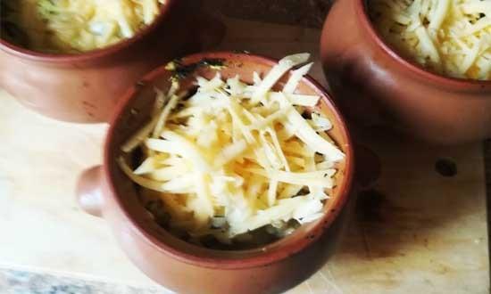 добавляем тёртый сыр