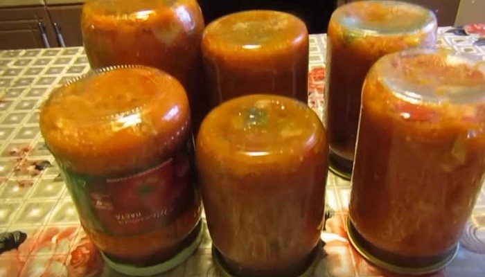 Салат со скумбрией, болгарским перцем и другими овощами на зиму