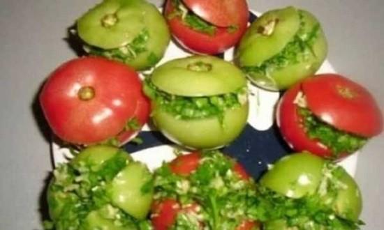 заполнить помидоры начинкой