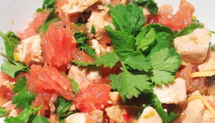 Салат с куриной грудкой и грейпфрутом