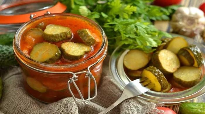 Самые вкусные салаты из огурцов на зиму — 7 рецептов приготовления
