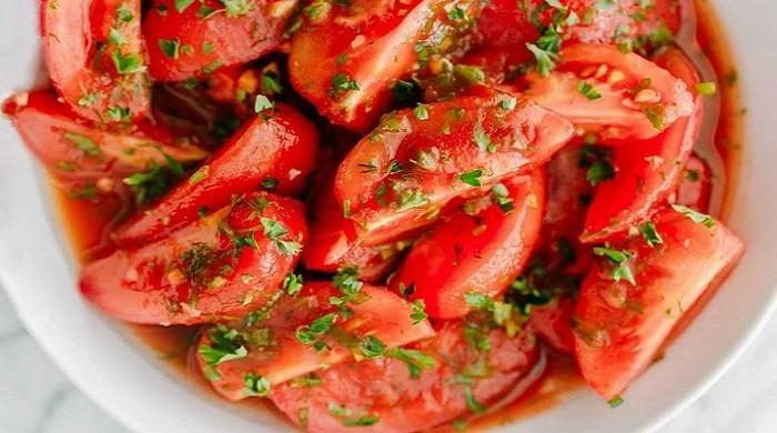 Как приготовить вкусные малосольные помидоры с чесноком и укропом