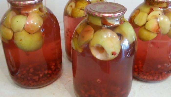 Компот из красной смородины с яблоками на зиму