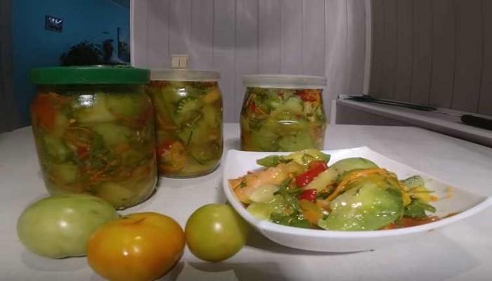 Салат из зеленых помидор со сладким перцем и морковью без варки и стерилизации