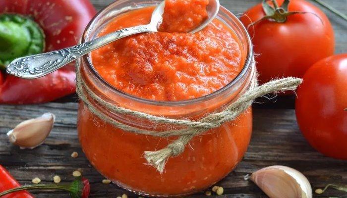 Кавказская аджика из помидор