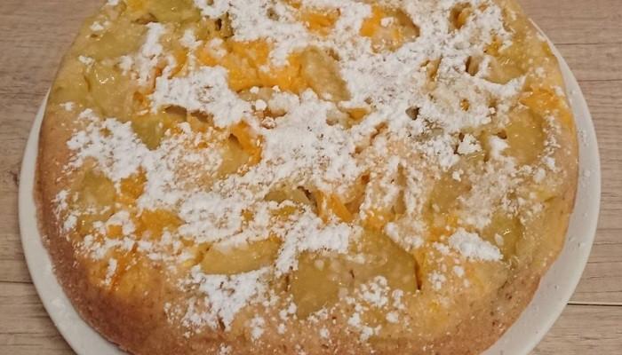 Шарлотка с яблоками и апельсинами в мультиварке
