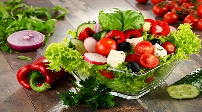 Очень вкусный овощной салат — 9 простых, лучших рецептов приготовления