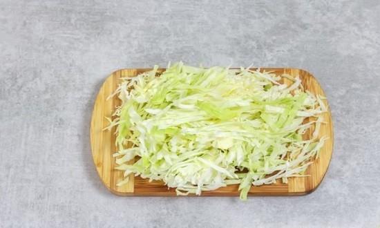 настрогать капусту