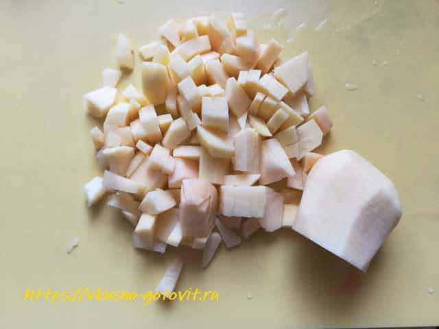Борщ со свежей капустой, свининой и курицей - рецепт пошаговый с фото