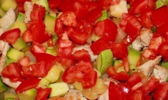Выкладываем томаты