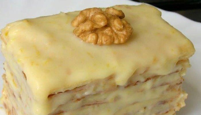 Слоёное пирожное со сгущёнкой