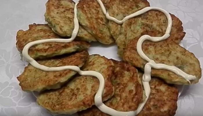 Оладьи из кабачков с мясом и зеленью