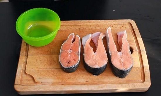 Подготавливаем стейки