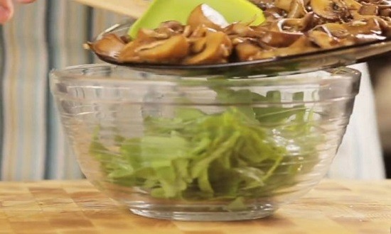 перемешать весь салат
