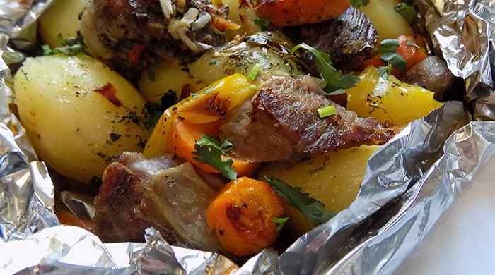 Говядина, запечённая в духовке с овощами