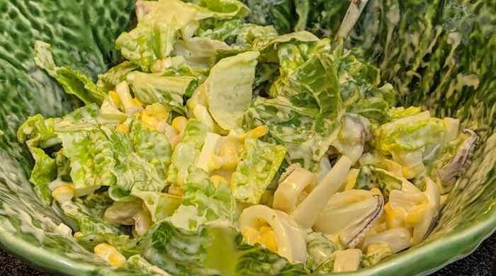 Салат из кальмаров с пекинской капустой