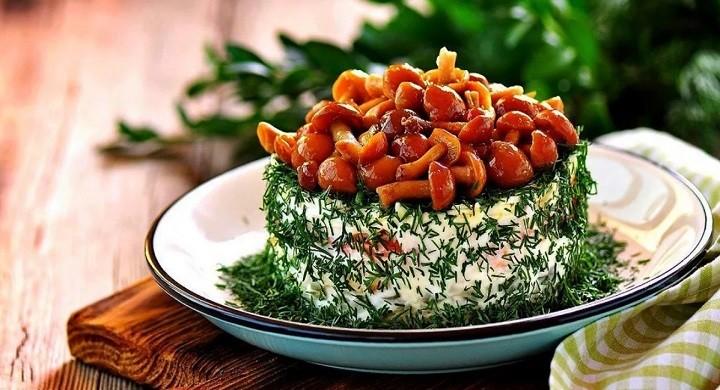 Очень вкусный грибной салат — самые простые рецепты, пальчики оближешь