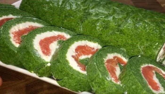 Закусочный рулет со шпинатом и красной рыбой
