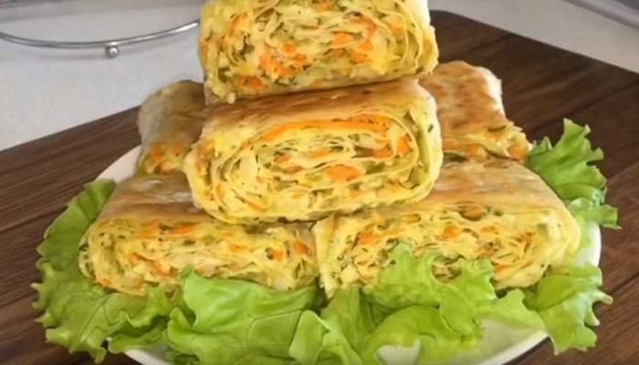 Закуска в лаваше с корейской морковкой и плавленым сыром