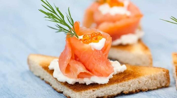 Закуска из красной рыбы и творожного сыра на праздничный стол — быстро и вкусно